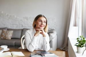 Image of a senior woman having an idea