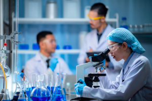 Image of scientists working in a lab