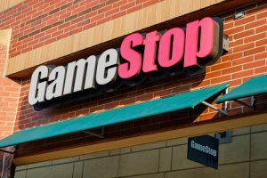 Image of a sign above a GameStop location